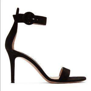 Auth GIANVITO ROSSI black velvet sandals